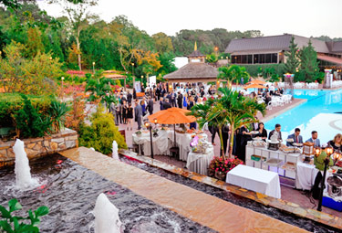 540 supporters of South Nassau Communities Hospital attended the Hospital's new Soirée Under the Stars at the Crest Hollow Country Club.